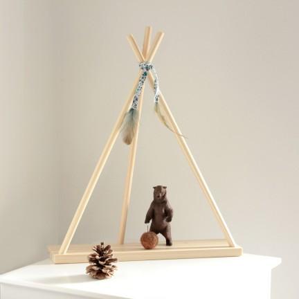 Tipi miniature décoratif en bois naturel