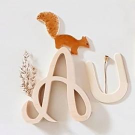 Petit écureuil en bois